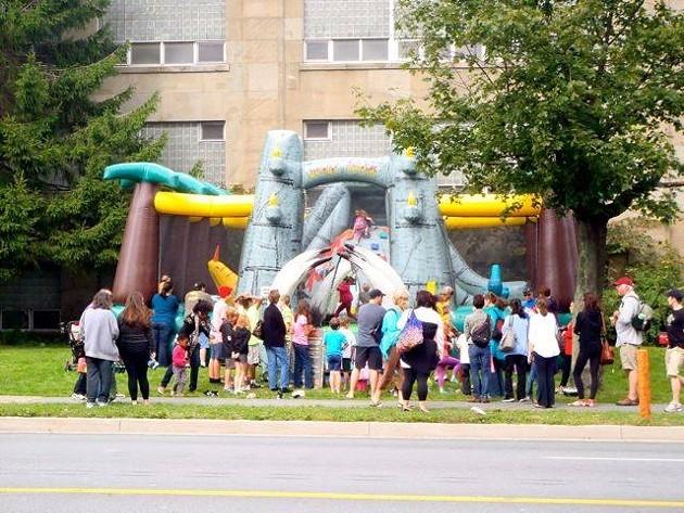 bouncy_castle79739_n.jpg