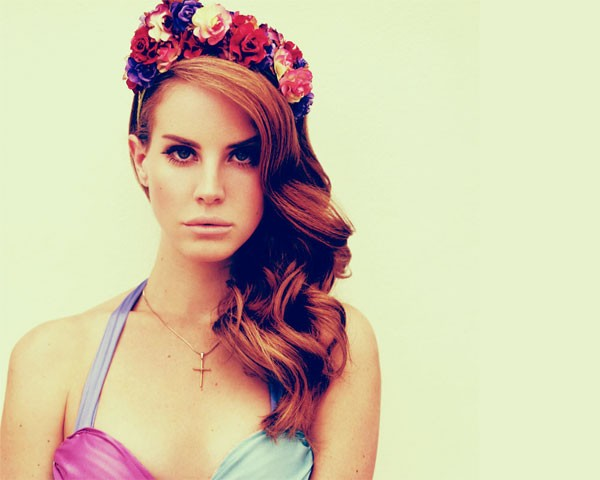 A little Lana Del Ray floral crown inspo