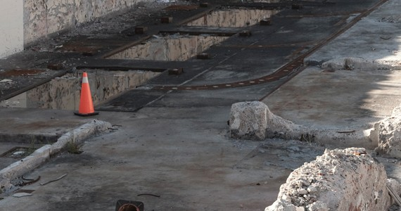 Avoid the vortex of the Argyle Street pit. - KRISTA LEGER