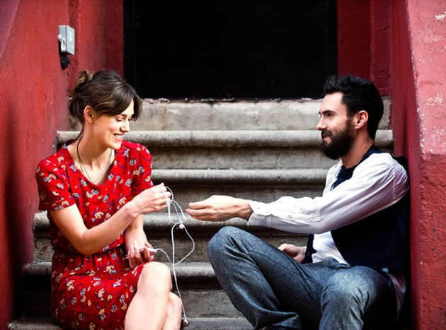 rs_560x415-140328181340-1024.begin-again-adam-levine-keira-knightley.ms.032814_c.jpg