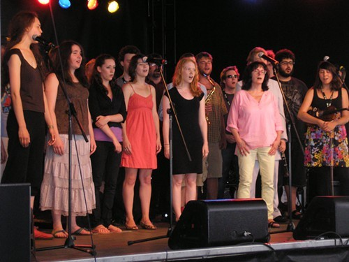 CMW students sing, bark and yelp it out