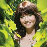 Dana Carly Andrews croons in Finch