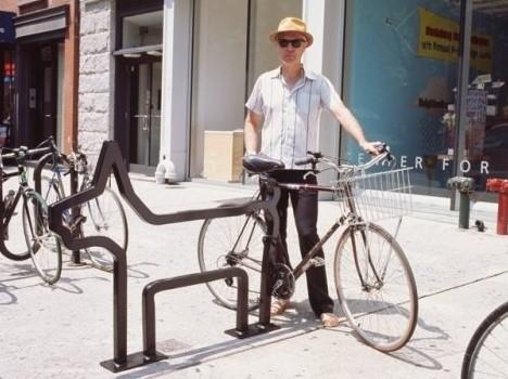 David Byrne rocks the bike look.