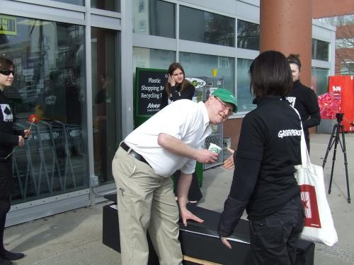 Sobeys manager closes coffin