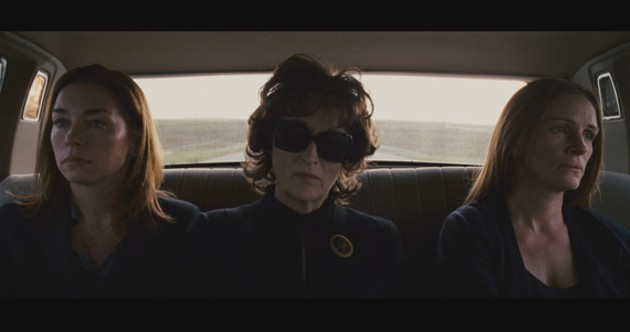 Julianne Nicholson and Julia Roberts with mom Meryl Streep in one of their non-screaming moments.