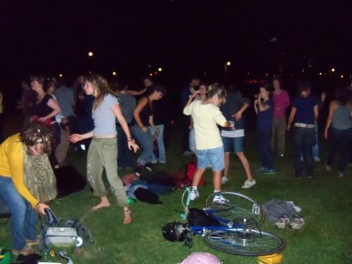 crowd_dancing.jpg
