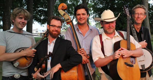 Notre Dame de Grass are pickin' and grinnin'
