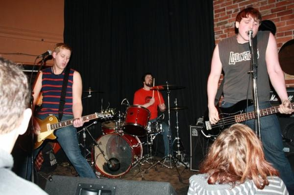 Sing along with Fat Stupids this Saturday at Gus' Pub