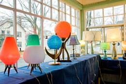 apr07_2009-the_coast-home_style_guide-mark_dunphy-vintage_lamp_collector_amf0159.jpg