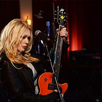 Nancy Wilson rocks on
