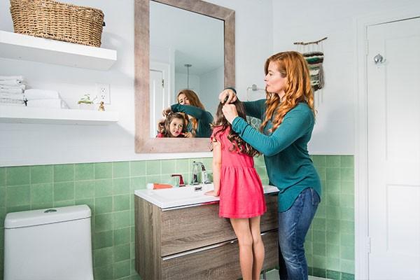 Host of DIY Mom, Rebekah Higgs' jadeite bathroom channels boho bliss - MATT MCMULLEN