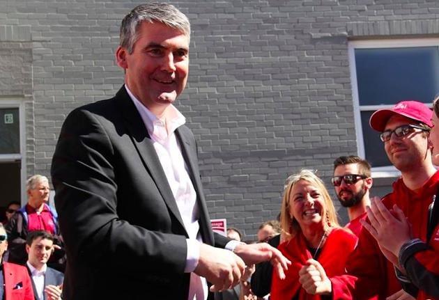The premier greets his fans. - VIA FACEBOOK