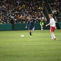 Night 3 of the 2012 Desert Diamond Cup As part of the four night 2012 Desert Diamond Cup, the New York Red Bulls defeated the LA Galaxy 2-1 February 29th. Nathan Saxton