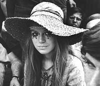 hippie_rainbow_girl_jpg-magnum.jpg