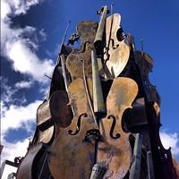 e6b3e233_violin-sculpture.jpg