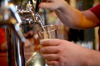 beer-pour-borderlands-hoch.jpg
