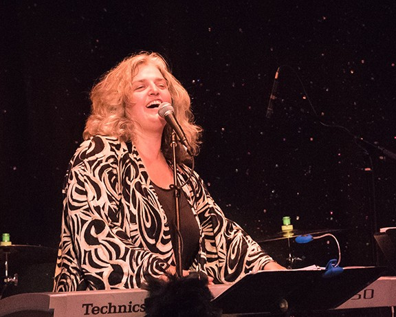 Lisa Otey: Thursday, Aug. 29 @ the Lookout Bar and Grille at the Westward Look - COURTESY PHOTO