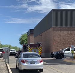 Oro Valley Police respond to the area of the shooting. - AUSTIN COUNTS