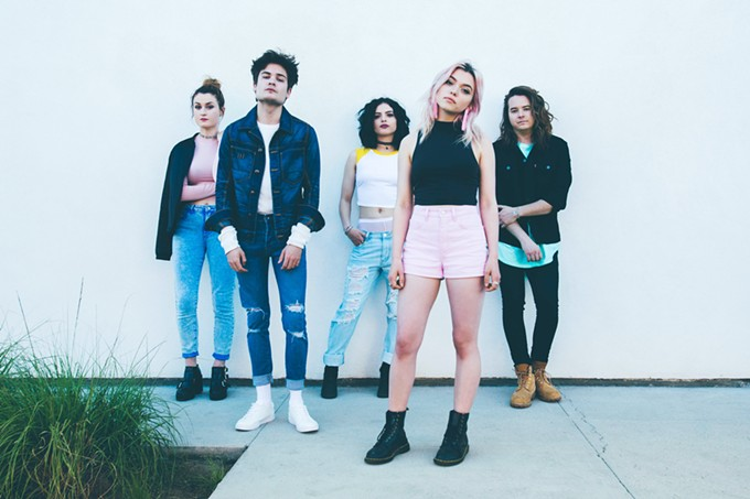 Rena Lovelis (foreground) and Hey Violet.