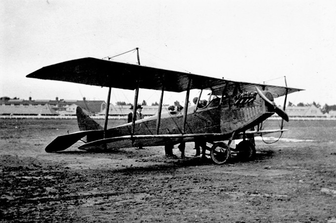 jn-4_glenn_h_curtiss_museum_2_.jpg