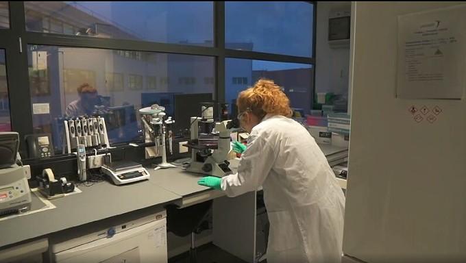 lab_scientist_covid_science.jpg
