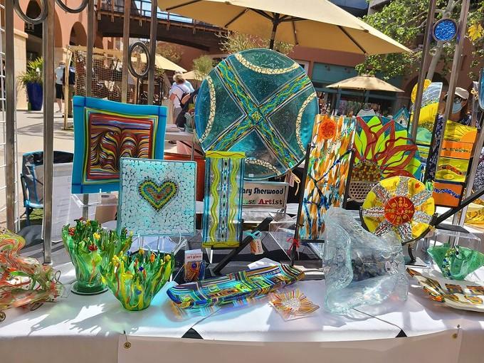 La Encantada Fine Art Market
