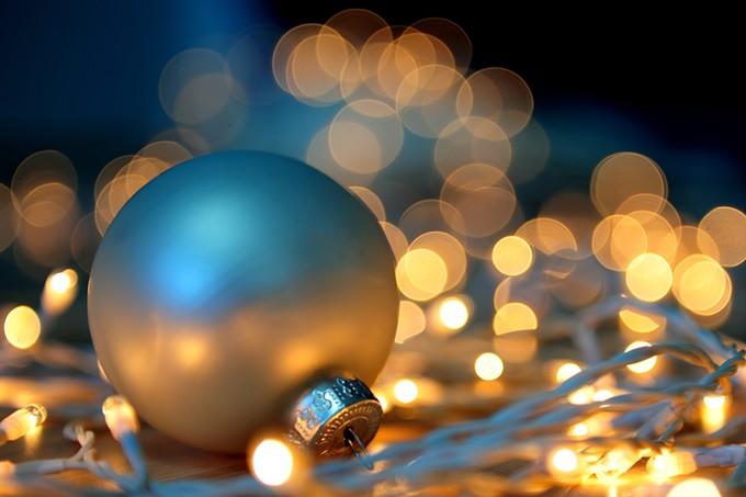 bigstock-christmas-lights-4128532.jpg