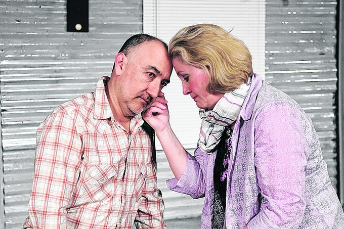 Tucson actors Rhonda Hallquist and Keith Wick star in Annapurna