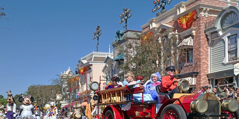 Before the COVID-19 pandemic, Main Street in Disneyland featured many daily parades. This could change whenever Disneyland reopens under health guidelines from the state.