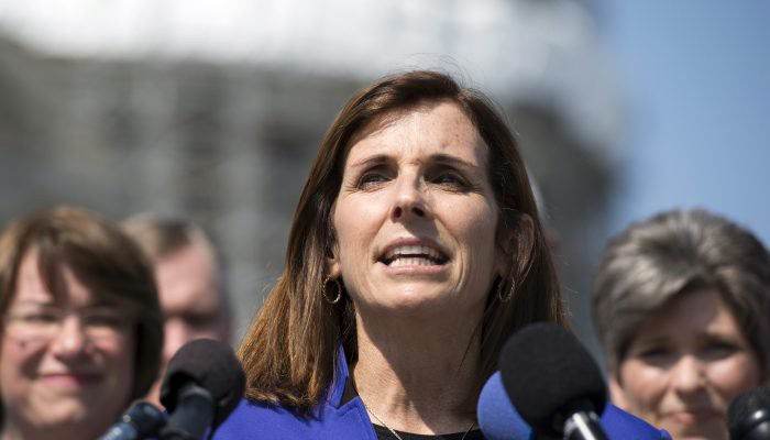 Will McSally's embrace of Trump hurt her in November?