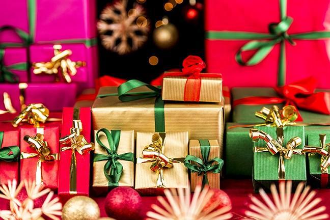 bigstock-many-christmas-presents-groupe-70854577.jpg
