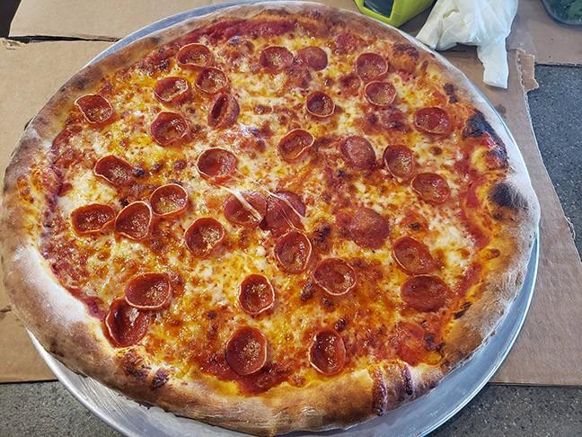 trident_pizza_pub_pizza2.jpg