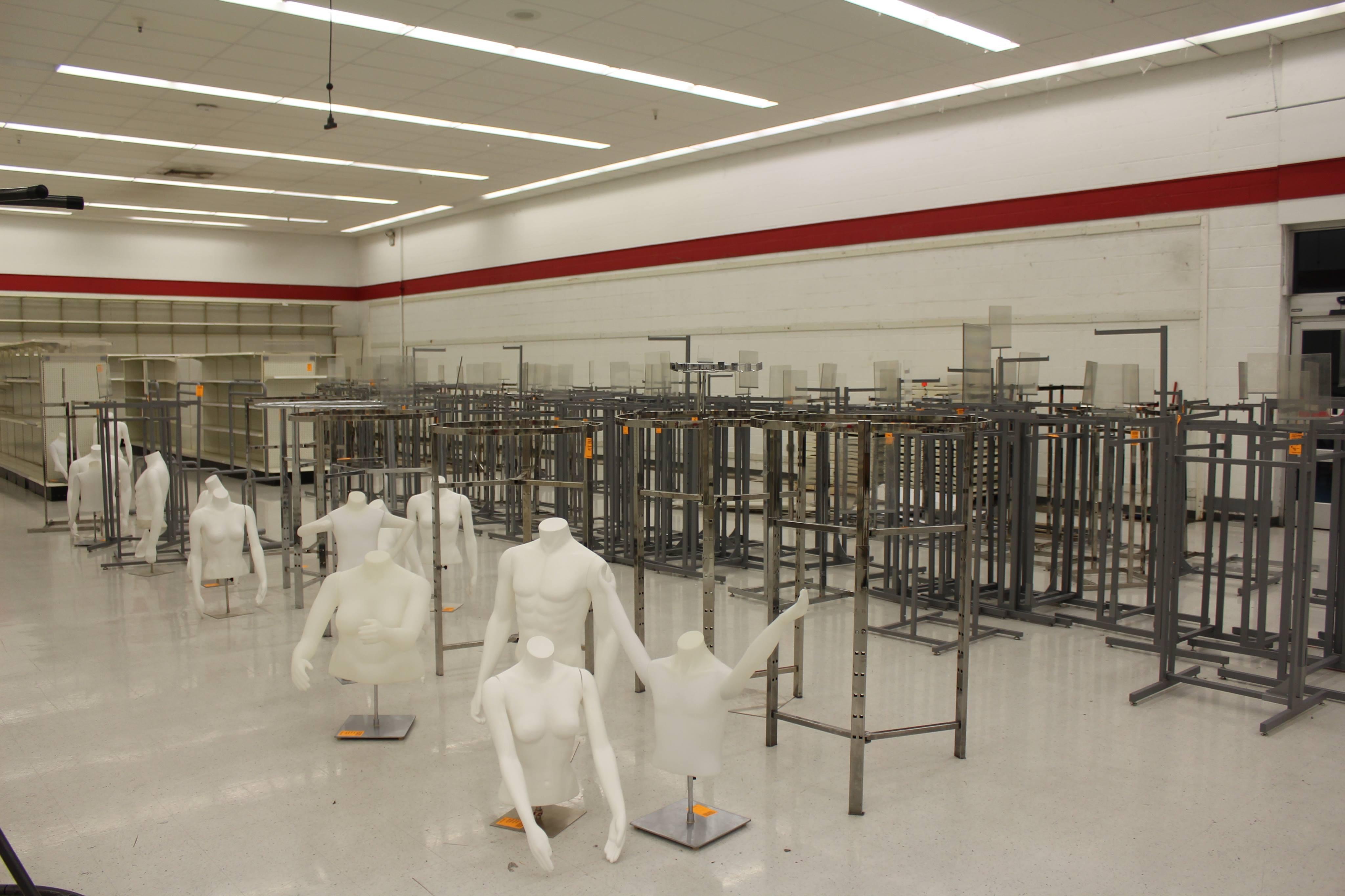 Mannequin Storage