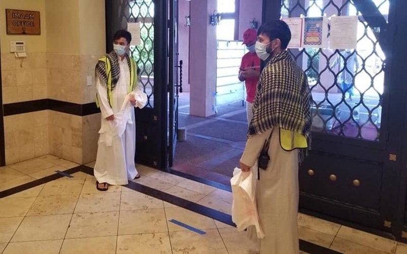 The Islamic Community Center of Phoenix decided to allow worshipers into the mosque for Eid al-Fitr, the celebration to mark the end of Ramadan, but had a number of health precautions, including mandatory masks and social distancing. (Photo courtesy Islamic Community Center of Phoenix)