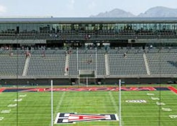 You can now drink beer (and wine) at Arizona Stadium!