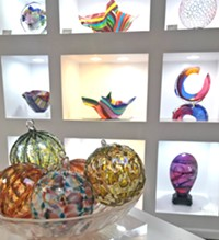 Stunning glass art and gifts - Uploaded by Philabaum